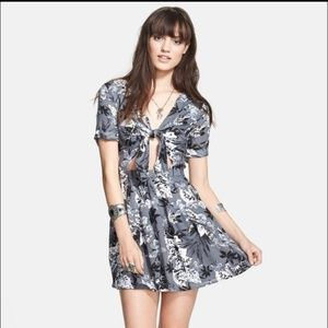 FREE PEOPLE Tie Front Cutout Floral Dress {BB48}
